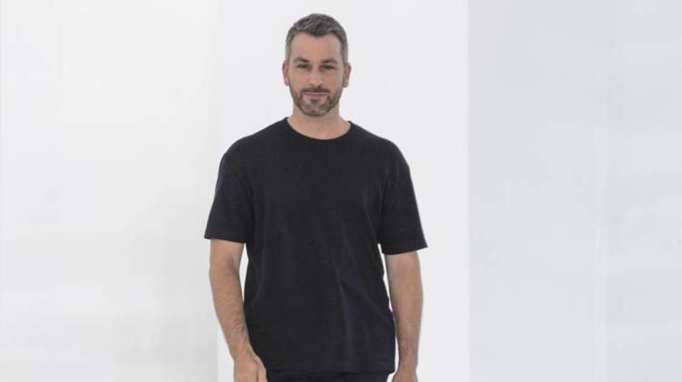 Hailey Bieber slams trolls who criticised her tan
