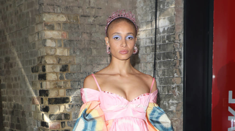 Madonna planning groundbreaking VR Billboard Music Awards show
